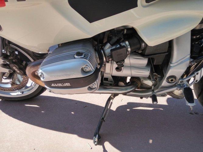 https://www.ragusanews.com/resizer/resize.php?url=https://www.ragusanews.com//immagini_articoli/17-10-2017/1508227566-4-vendesi-motocicletta-modello-r1100s.jpg&size=667x500c0