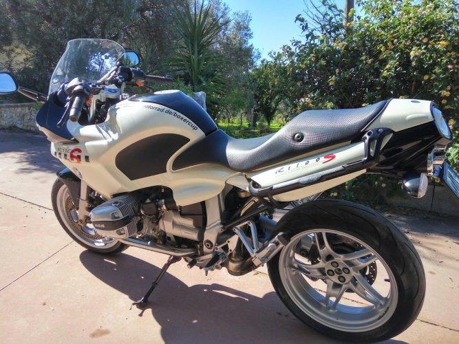https://www.ragusanews.com/resizer/resize.php?url=https://www.ragusanews.com//immagini_articoli/17-10-2017/1508227566-6-vendesi-motocicletta-modello-r1100s.jpg&size=667x500c0