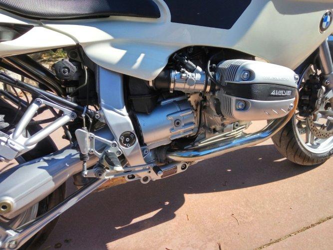https://www.ragusanews.com/resizer/resize.php?url=https://www.ragusanews.com//immagini_articoli/17-10-2017/1508227566-7-vendesi-motocicletta-modello-r1100s.jpg&size=667x500c0
