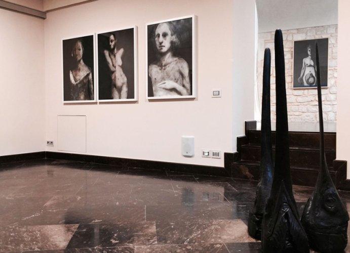 https://www.ragusanews.com/resizer/resize.php?url=https://www.ragusanews.com//immagini_articoli/17-11-2015/1447785943-1-un-nuovo-spazio-d-arte-multilink.png&size=691x500c0