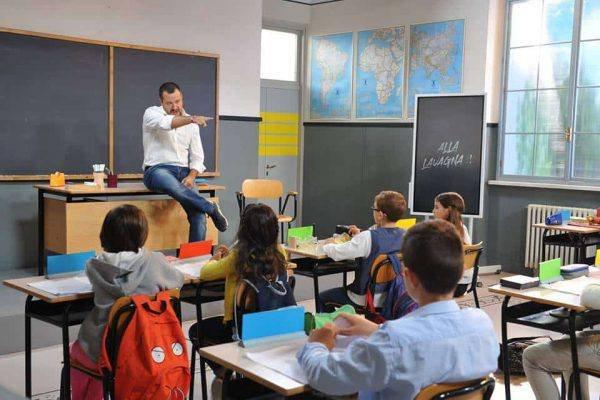 https://www.ragusanews.com/resizer/resize.php?url=https://www.ragusanews.com//immagini_articoli/17-11-2018/1542481030-1-fiorello-bambini-scuola-salvini-pensavano-fosse-piumone-isoardi.jpg&size=750x500c0