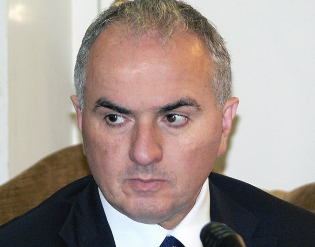 https://www.ragusanews.com/resizer/resize.php?url=https://www.ragusanews.com//immagini_articoli/18-04-2015/1429344956-0-lumia-accettate-il-verdetto-non-fate-negazionismo.jpg&size=639x500c0