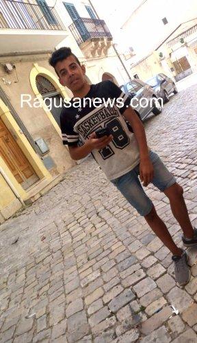 https://www.ragusanews.com/resizer/resize.php?url=https://www.ragusanews.com//immagini_articoli/18-07-2019/1563406930-1-rito-musulmano-in-tunisia-per-said.jpg&size=288x500c0