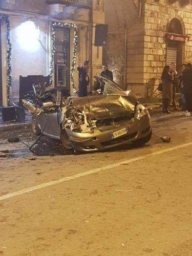 https://www.ragusanews.com/resizer/resize.php?url=https://www.ragusanews.com//immagini_articoli/18-11-2018/1542538212-1-sindaco-modica-siamo-stati-miracolati-video-incidente.jpg&size=375x500c0