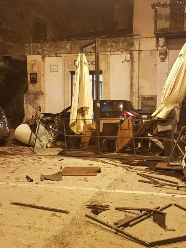 https://www.ragusanews.com/resizer/resize.php?url=https://www.ragusanews.com//immagini_articoli/18-11-2018/1542538212-2-sindaco-modica-siamo-stati-miracolati-video-incidente.jpg&size=375x500c0