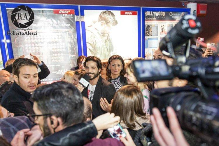 https://www.ragusanews.com/resizer/resize.php?url=https://www.ragusanews.com//immagini_articoli/19-01-2015/1421695600-2-film-italo-il-delirio-a-gela.jpg&size=751x500c0