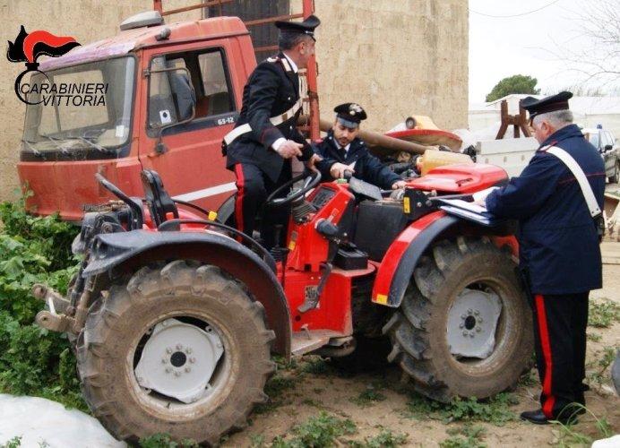 https://www.ragusanews.com/resizer/resize.php?url=https://www.ragusanews.com//immagini_articoli/19-04-2016/1461059895-0-i-ladri-di-trattori-denunciati-due-albanesi.jpg&size=692x500c0