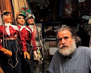 https://www.ragusanews.com/resizer/resize.php?url=https://www.ragusanews.com//immagini_articoli/19-05-2014/1400525576-mimmo-cuticchio-e-l-arte-del-cunto-a-ragusa.jpg&size=625x500c0