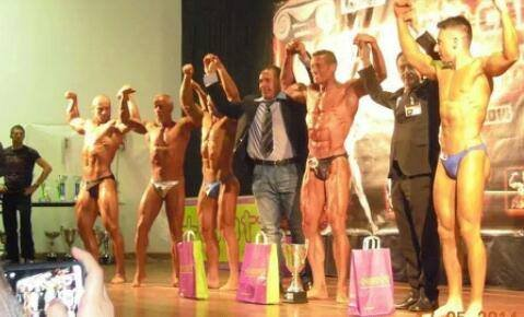 https://www.ragusanews.com/resizer/resize.php?url=https://www.ragusanews.com//immagini_articoli/19-05-2014/1400534777-body-building-i-success-di-guido-patti.jpg&size=826x500c0