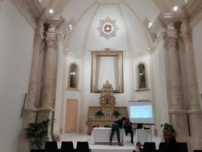 https://www.ragusanews.com/resizer/resize.php?url=https://www.ragusanews.com//immagini_articoli/19-05-2018/1526722588-6-rinasce-auditorium-santa-teresa-sorpresa-fabrizio-pollio-video.jpg&size=667x500c0