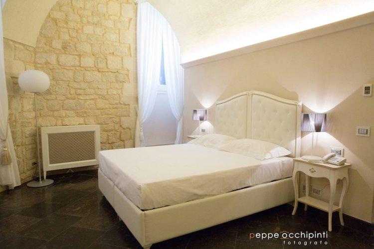 https://www.ragusanews.com/resizer/resize.php?url=https://www.ragusanews.com//immagini_articoli/19-06-2015/1434701945-4-site-rooms-il-primo-palazzo-nobiliare-in-un-albergo-diffuso-a-scicli.jpg&size=750x500c0