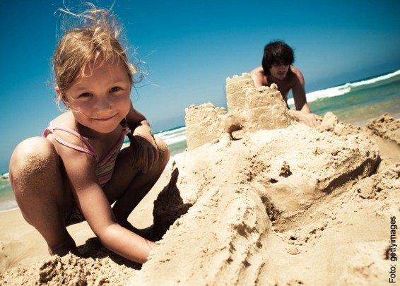 https://www.ragusanews.com/resizer/resize.php?url=https://www.ragusanews.com//immagini_articoli/19-06-2016/1466369740-0-spiagge-per-bambini-c-e-pozzallo-e-scoglitti.jpg&size=699x500c0