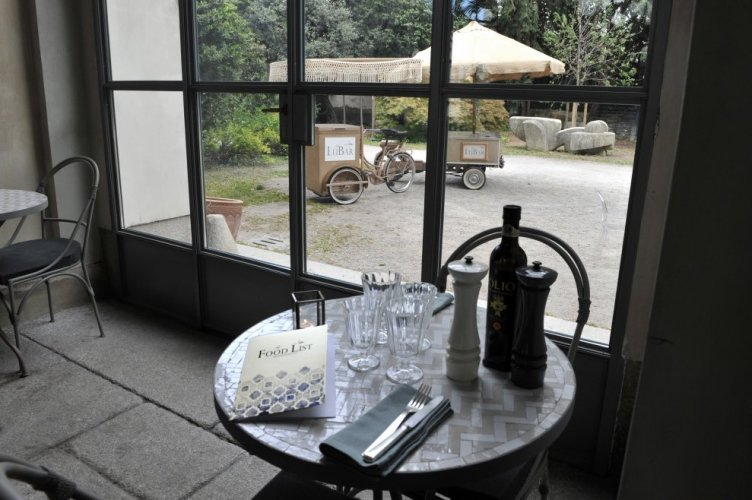 https://www.ragusanews.com/resizer/resize.php?url=https://www.ragusanews.com//immagini_articoli/19-10-2017/1508443190-2-luisa-beccaria-pranzo-siciliano-milano-spritz-sapor-amara.jpg&size=752x500c0