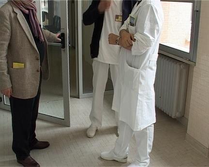 https://www.ragusanews.com/resizer/resize.php?url=https://www.ragusanews.com//immagini_articoli/20-01-2011/1396124930-non-hanno-rinnovato-i-contratti-a-infermieri-e-ausiliari.jpg&size=624x500c0