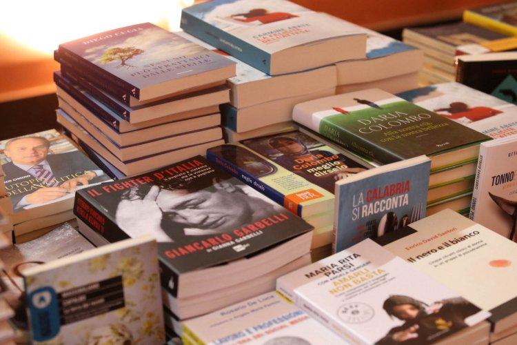 https://www.ragusanews.com/resizer/resize.php?url=https://www.ragusanews.com//immagini_articoli/20-02-2016/1455981495-0-a-ragusa-coi-libri-si-diventa-liberi.jpg&size=750x500c0