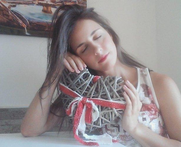 https://www.ragusanews.com/resizer/resize.php?url=https://www.ragusanews.com//immagini_articoli/20-03-2019/1553114582-1-nicoletta-attirata-una-trappola-amica-fidanzata-suo.jpg&size=615x500c0