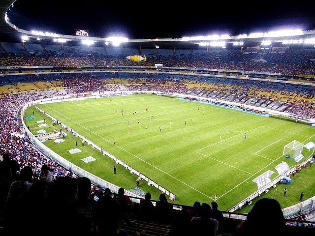 https://www.ragusanews.com/resizer/resize.php?url=https://www.ragusanews.com//immagini_articoli/20-04-2015/1429524632-1-il-calcio-italiano-e-siciliano-punta-su-nuovi-stadi-per-competere-in-europa.jpg&size=667x500c0