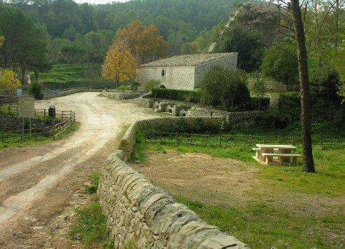 https://www.ragusanews.com/resizer/resize.php?url=https://www.ragusanews.com//immagini_articoli/20-04-2016/1461140320-0-alla-scoperta-del-territorio-escursione-a-monterosso.jpg&size=692x500c0