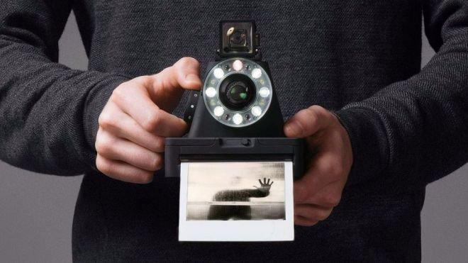 https://www.ragusanews.com/resizer/resize.php?url=https://www.ragusanews.com//immagini_articoli/20-05-2016/1463771481-0-nostalgia-di-polaroid-risolta-con-299-dollari.jpg&size=889x500c0