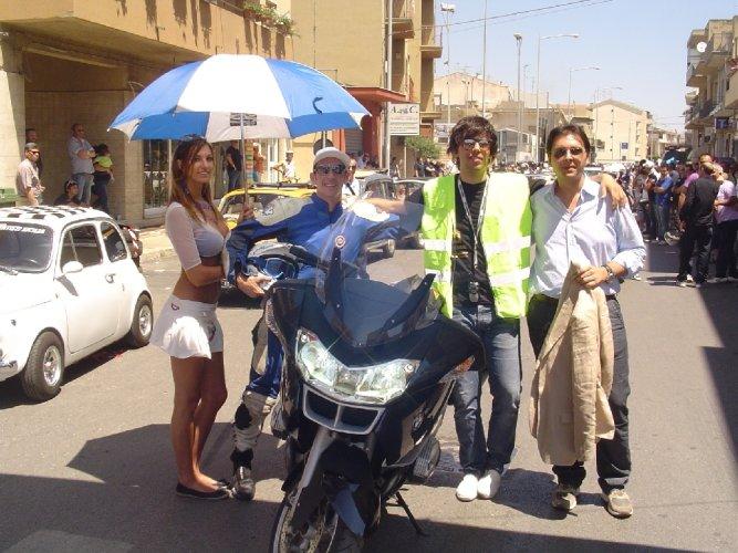 https://www.ragusanews.com/resizer/resize.php?url=https://www.ragusanews.com//immagini_articoli/20-06-2011/1396123927-i-motociclisti-di-tutta-la-sicilia-ieri-a-comiso.jpg&size=667x500c0