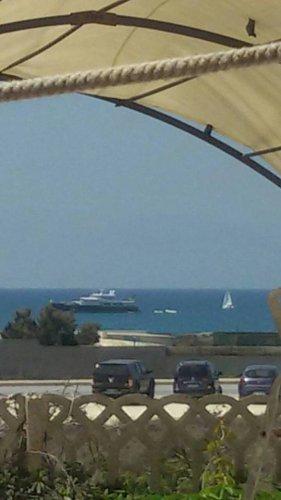 https://www.ragusanews.com/resizer/resize.php?url=https://www.ragusanews.com//immagini_articoli/20-08-2016/1471701712-1-e--arrivato-lo-yacht-di-montezemolo-con-luca-a-bordo.jpg&size=281x500c0