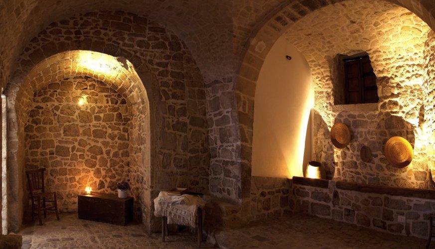 https://www.ragusanews.com/resizer/resize.php?url=https://www.ragusanews.com//immagini_articoli/20-10-2014/1413785462-1-murika-racconti-di-pietra-nella-casa-degli-avi.jpg&size=873x500c0