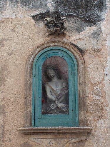 https://www.ragusanews.com/resizer/resize.php?url=https://www.ragusanews.com//immagini_articoli/20-12-2008/1396863644-edicole-votive-un-progetto-del-liceo-turistico-cataudella-di-scicli.jpg&size=374x500c0
