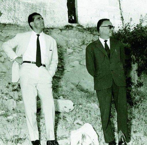 https://www.ragusanews.com/resizer/resize.php?url=https://www.ragusanews.com//immagini_articoli/21-01-2014/1396118168-arnoldo-foa-e-la-visita-a-ragusa-del-1964.jpg&size=509x500c0