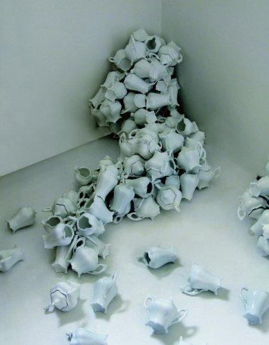 https://www.ragusanews.com/resizer/resize.php?url=https://www.ragusanews.com//immagini_articoli/21-06-2014/1403377329-0-dalla-biennale-a-catania-stanze-della-memoria.jpg&size=390x500c0