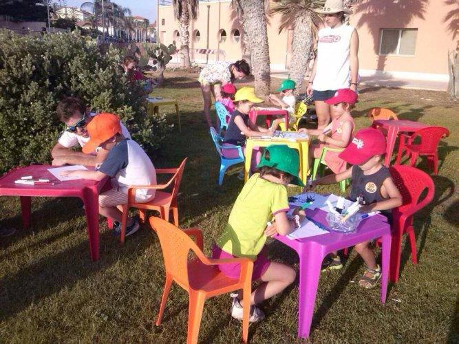 https://www.ragusanews.com/resizer/resize.php?url=https://www.ragusanews.com//immagini_articoli/21-07-2014/1405973082-0-tanti-eventi-ieri-al-porto.jpg&size=667x500c0