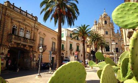 https://www.ragusanews.com/resizer/resize.php?url=https://www.ragusanews.com//immagini_articoli/22-01-2015/1421921830-0-turismo-a-ragusa-aumentano-gli-americani.jpg&size=833x500c0