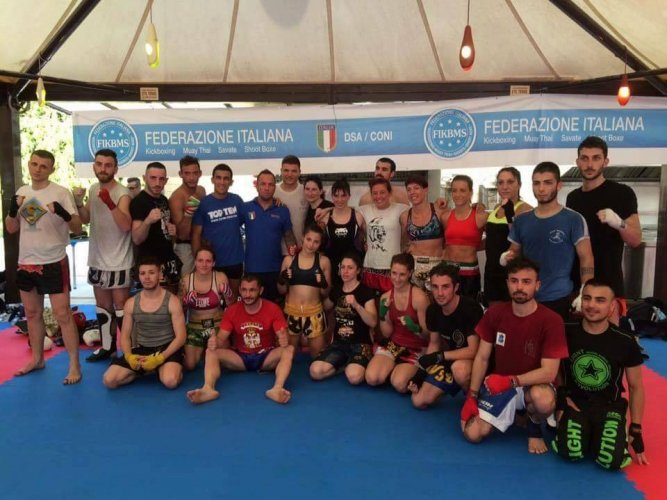https://www.ragusanews.com/resizer/resize.php?url=https://www.ragusanews.com//immagini_articoli/22-06-2016/1466594998-0-kickboxing-europei-slovenia-ai-collegiali-anche-uno-sciclitano.jpg&size=667x500c0