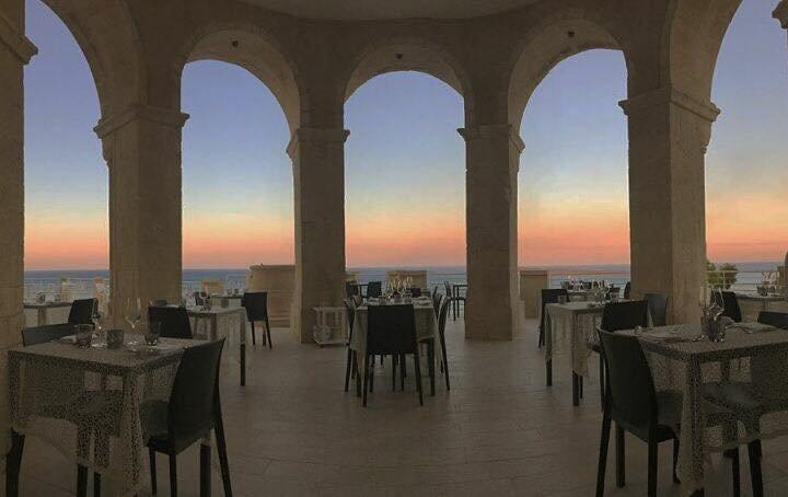 https://www.ragusanews.com/resizer/resize.php?url=https://www.ragusanews.com//immagini_articoli/22-06-2017/1498161951-1-apre-ristorante-castello-tafuri.jpg&size=793x500c0