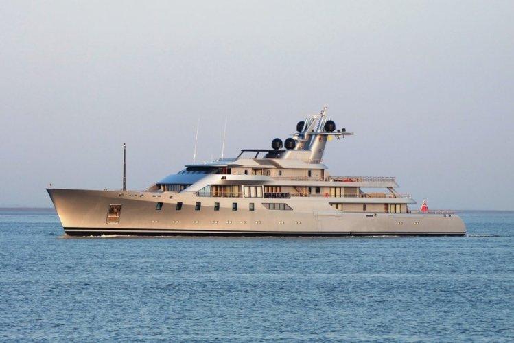 https://www.ragusanews.com/resizer/resize.php?url=https://www.ragusanews.com//immagini_articoli/22-07-2017/1500717177-1-pacific-yacht-metri-arriva-mare-siciliano.jpg&size=749x500c0