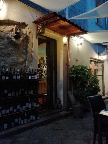 https://www.ragusanews.com/resizer/resize.php?url=https://www.ragusanews.com//immagini_articoli/22-08-2018/1534944232-1-vitis-castiglione-sicilia-trionfo-sicilianita-foto.jpg&size=375x500c0