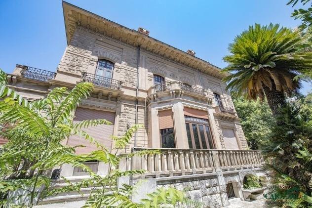 https://www.ragusanews.com/resizer/resize.php?url=https://www.ragusanews.com//immagini_articoli/22-09-2018/1537628364-1-affittasi-villa-leoluca-orlando-palermo.jpg&size=751x500c0