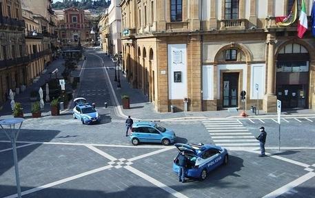 https://www.ragusanews.com/resizer/resize.php?url=https://www.ragusanews.com//immagini_articoli/22-09-2021/1632298506--news-ragusa.jpg&size=796x500c0