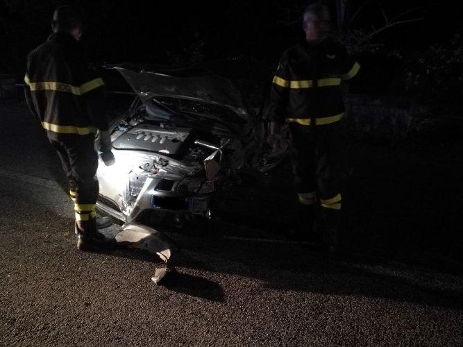 https://www.ragusanews.com/resizer/resize.php?url=https://www.ragusanews.com//immagini_articoli/22-10-2017/1508667179-1-schianta-curva-pineta-incidente-chiaramonte-foto.jpg&size=667x500c0