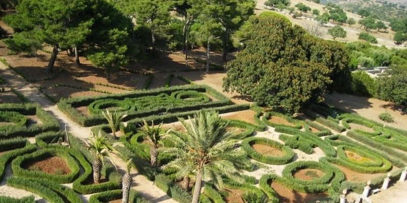 https://www.ragusanews.com/resizer/resize.php?url=https://www.ragusanews.com//immagini_articoli/22-11-2014/1416650083-scicli-il-giardino-nascosto.jpg&size=999x500c0