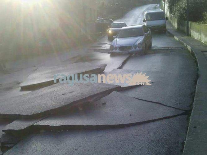 https://www.ragusanews.com/resizer/resize.php?url=https://www.ragusanews.com//immagini_articoli/23-01-2017/1485169330-1-auto-annegate-fontana-conta-danni-video.jpg&size=667x500c0