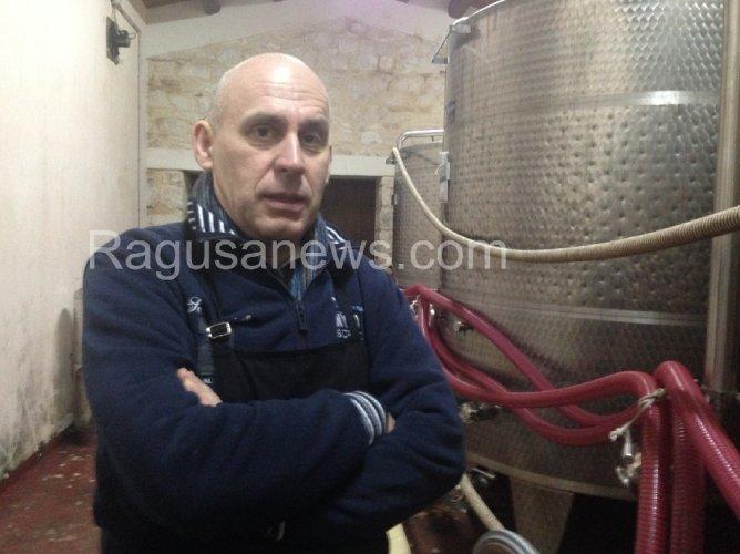 https://www.ragusanews.com/resizer/resize.php?url=https://www.ragusanews.com//immagini_articoli/23-02-2014/1396117869-michele-molgg-luomo-del-vino.jpg&size=668x500c0