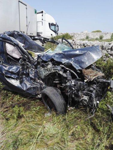 https://www.ragusanews.com/resizer/resize.php?url=https://www.ragusanews.com//immagini_articoli/23-04-2019/1556029909-1-incidente-ragusa-mare-auto-tir.jpg&size=377x500c0