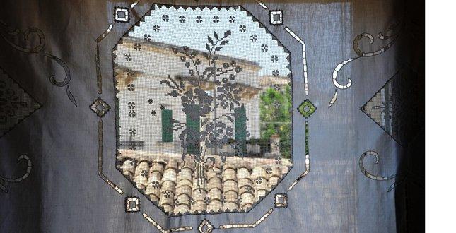 https://www.ragusanews.com/resizer/resize.php?url=https://www.ragusanews.com//immagini_articoli/23-07-2014/1406114443-0-il-modello-siciliano-di-ospitalita-diffusa-su-oggi.jpg&size=977x500c0