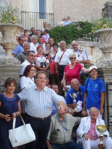 https://www.ragusanews.com/resizer/resize.php?url=https://www.ragusanews.com//immagini_articoli/23-08-2012/1396121669-il-memorial-dario-campo-a-vincenzo-occhipinti.jpg&size=375x500c0