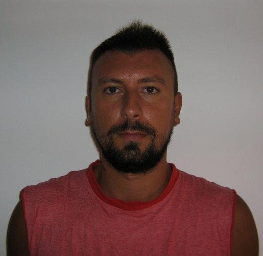 https://www.ragusanews.com/resizer/resize.php?url=https://www.ragusanews.com//immagini_articoli/23-08-2014/1408787042-0-due-arresti-per-furto-aggravato-puccia-e-firera.jpg&size=515x500c0