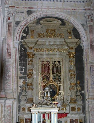 https://www.ragusanews.com/resizer/resize.php?url=https://www.ragusanews.com//immagini_articoli/24-11-2014/1416867958-0-la-famiglia-mazzara-e-la-chiesa-di-san-pietro.jpg&size=382x500c0