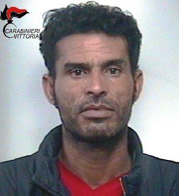 https://www.ragusanews.com/resizer/resize.php?url=https://www.ragusanews.com//immagini_articoli/24-11-2017/1511512859-1-cocaina-arrestati-magrebini-acate.jpg&size=457x500c0