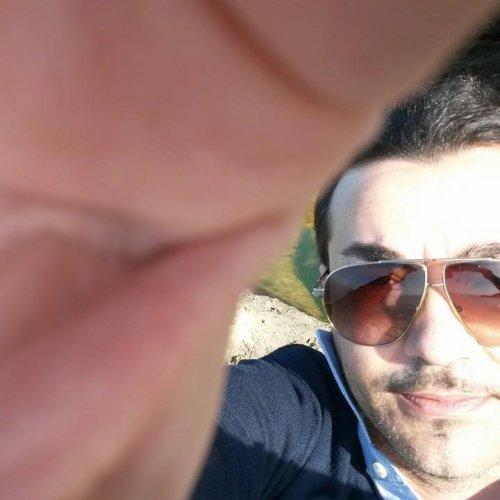 https://www.ragusanews.com/resizer/resize.php?url=https://www.ragusanews.com//immagini_articoli/25-06-2017/1498390942-1-incidente-morti-simone-gulino-giorgio-licitra.jpg&size=500x500c0