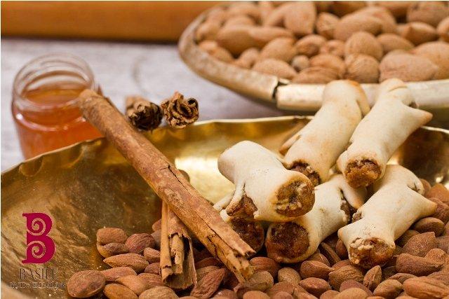 https://www.ragusanews.com/resizer/resize.php?url=https://www.ragusanews.com//immagini_articoli/25-07-2014/1406241815-1-il-matrimonio-siciliano-nella-tradizione-i-biscotti-di-mandorla.jpg&size=749x500c0