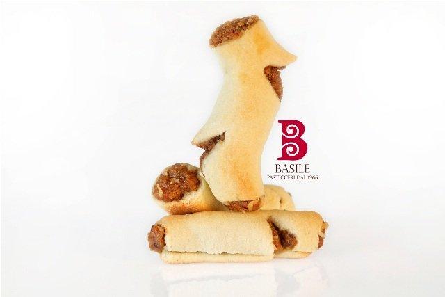 https://www.ragusanews.com/resizer/resize.php?url=https://www.ragusanews.com//immagini_articoli/25-07-2014/1406241836-1-il-matrimonio-siciliano-nella-tradizione-i-biscotti-di-mandorla.jpg&size=749x500c0